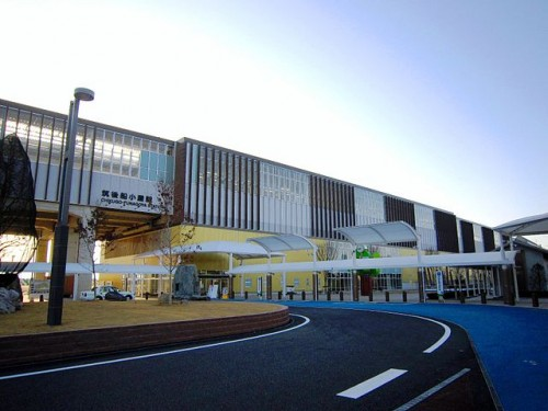 640px-Chikugo-Funagoya_Station_Kyushu_Shinkansen